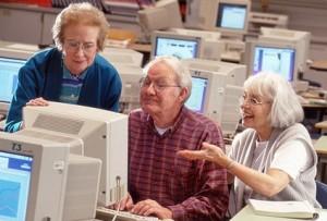 Nakon redovite godišnje promjene izgleda na Facebooku prosječna starija osoba započne s hejtanjem novog izgleda nakon 6 mjeseci, kad napokon shvati gdje sada treba kliknuti da napiše status